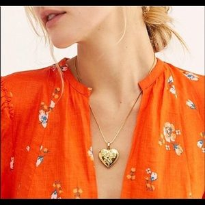 Free people necklace